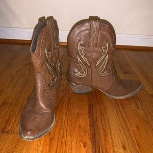 Brown Short Cowgirl Boots with Heel